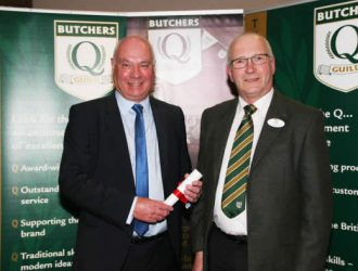 George Payne, Right, Receives His 2016 Butchers Q Guild BBQ Competition National Runners-up Award From Speciality Burger Category Sponsor, Tom Lawn, Of Scobie Junor.